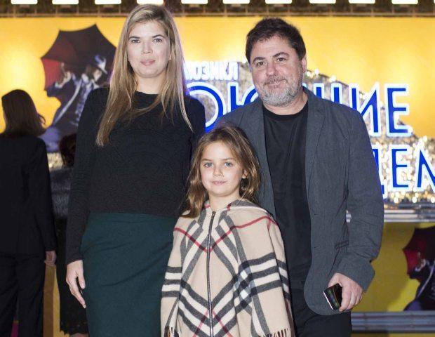 Виктория Галушка и Александр Цекало с дочерью Сашей
