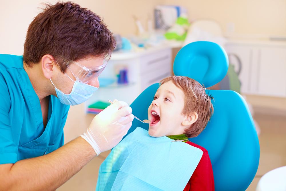 Маленький пациент на приеме у врача 3