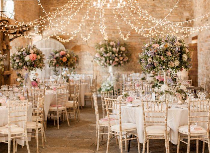 Как правильно оформить зал на свадьбу2